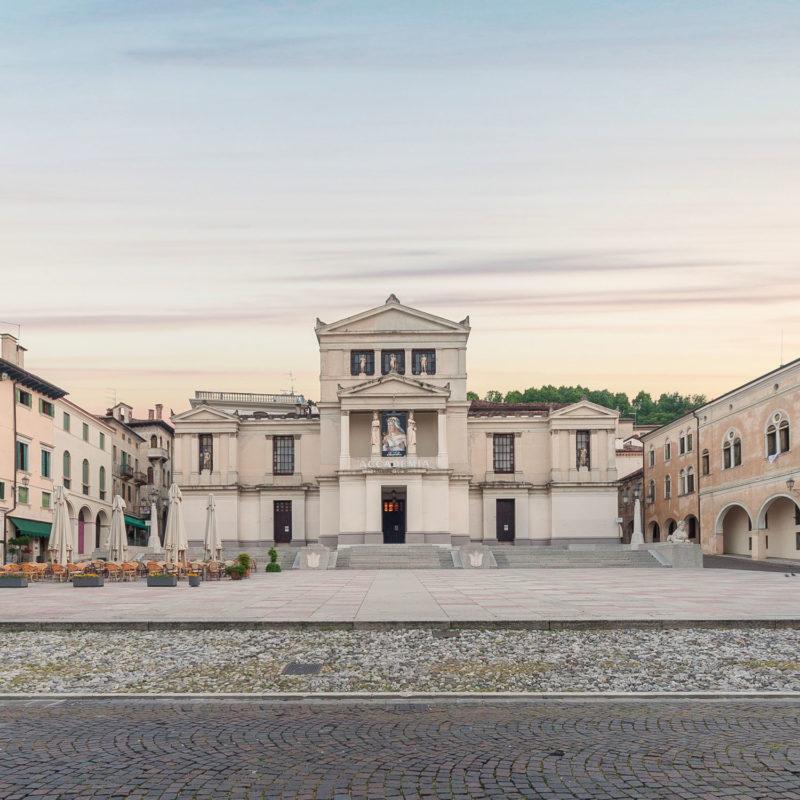 Piazza Cima und  Accademia Theater - Visit Conegliano