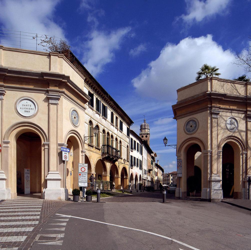 Porta Dante or Rujo